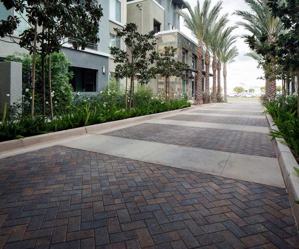 Holland Stone for Commercial Plaza Streets